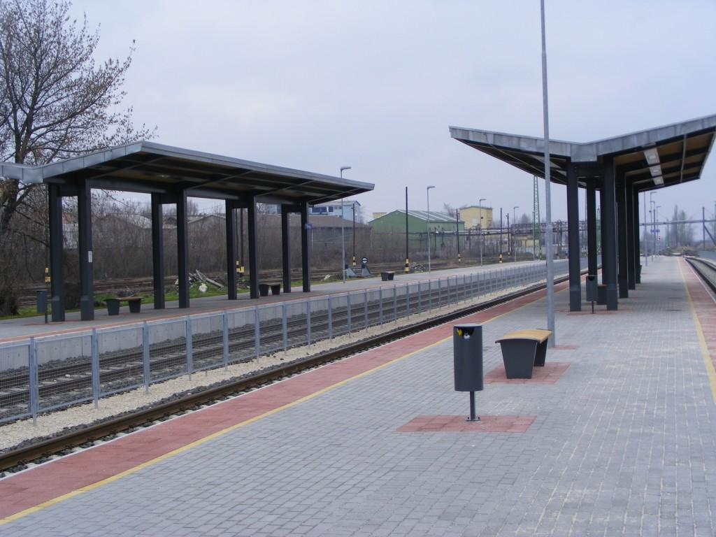 Új peronok Dorogon